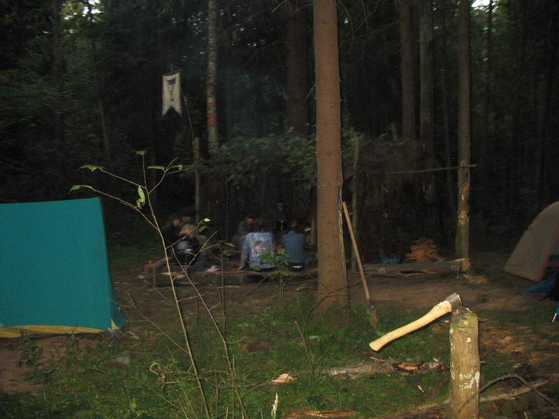 Лагерь,почти полный, вид сбоку, но чуточку ближе.