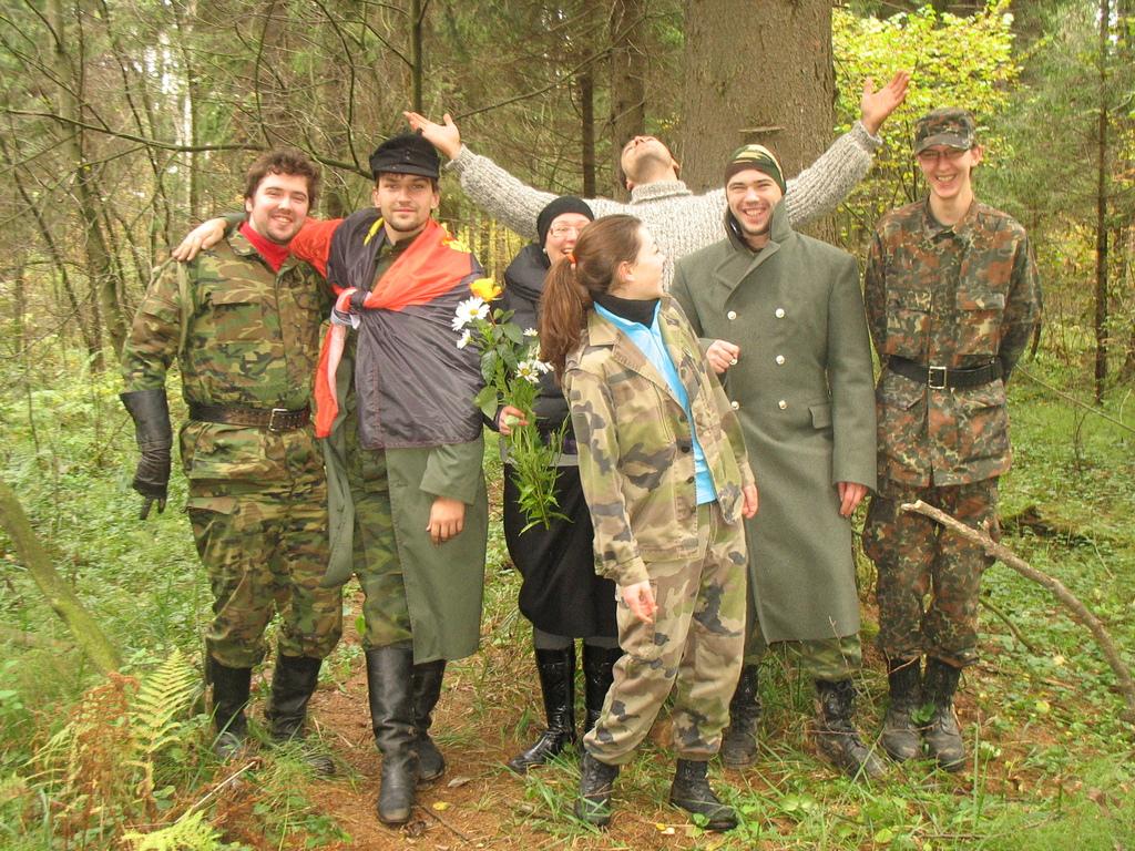 Слева на право: Денек, Ник Николс, Paganka, Jack, Рергардс (сзади), Vholk Jess, Кира