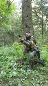 Мазур отстреливается из пистолета 07.2020